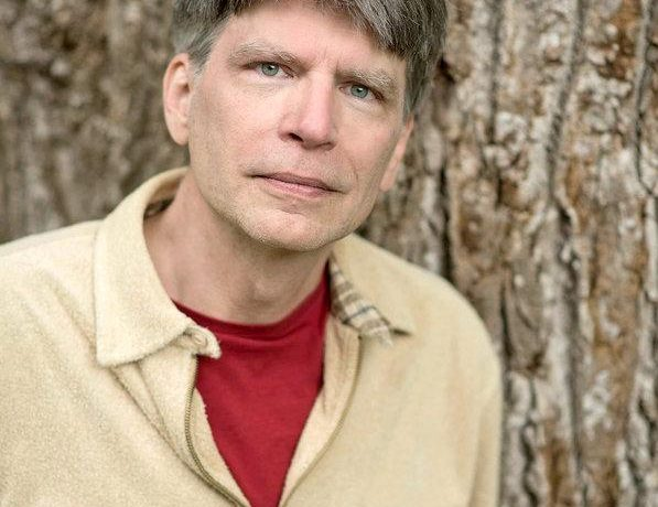 Richard Powers photo by Dean Dixon
